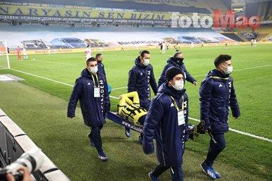 Son dakika spor haberleri: Fenerbahçe - Antalyaspor maçında Mesut Özil sakatlandı! Mesut Özil sahayı böyle terk etti
